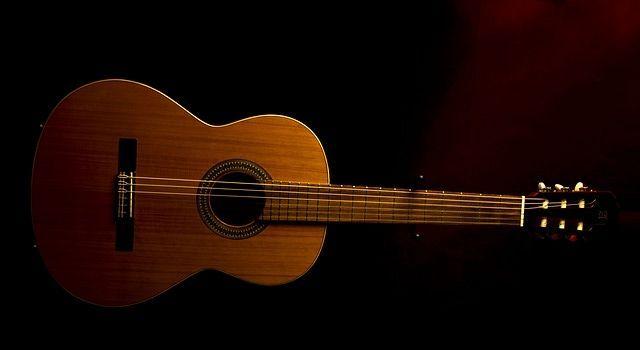 guitar-641449_640