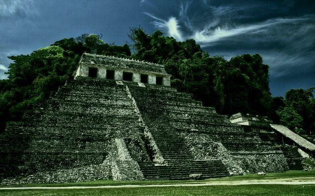 pyramid-931738_640-compressor