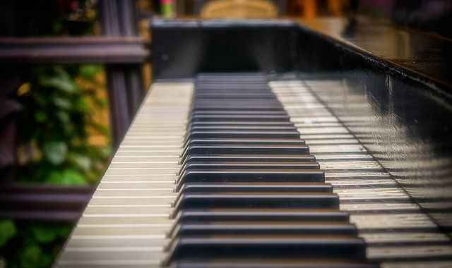 piano-1493799_640